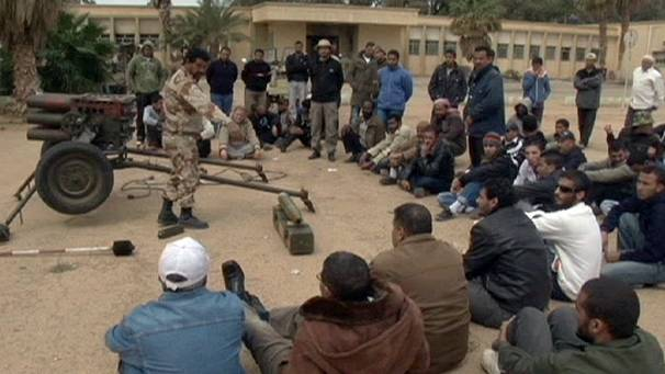 Libyan rebels set up training 'boot camp'