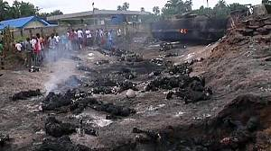Nigeria: More than 100 die after fuel tanker explodes