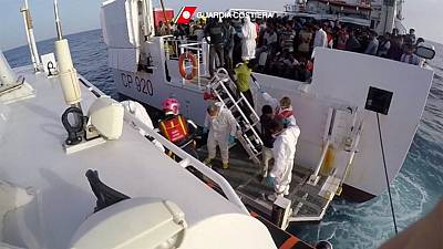 3,300 migrants rescued by Italian coastguards in one day