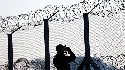 Hungary builds new fence to keep out refugees