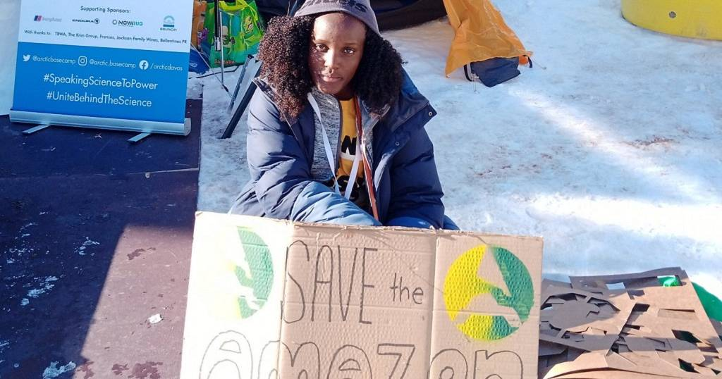 Solidarity for Ugandan climate activist over racist AP photo crop