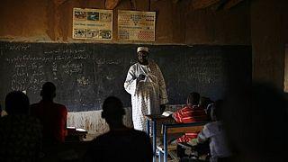 """Le Mali recrute plus de 15.000 """"enseignants volontaires"""" en pleine grève de l'Education nationale"""