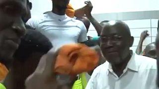 Foot : le président de la fédération ivoirienne renonce à se représenter, Drogba en pole position