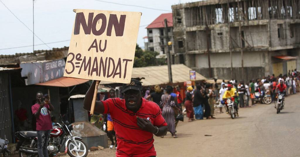 New round of anti-Conde protests as Guinea's 'divisive' referendum looms   Africanews