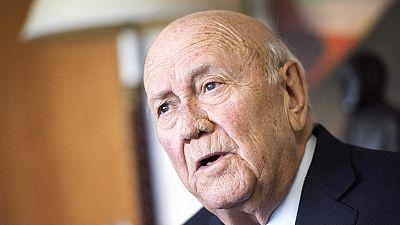 """Afrique du Sud : mea culpa de l'ex-président de Klerk après avoir """"nié"""" la gravité de l'apartheid"""