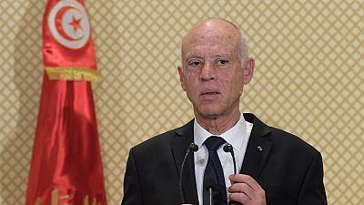 Face à la crise politique, le président tunisien menace de dissoudre le Parlement