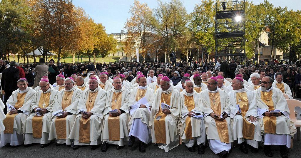 Crise anglophone : l'épiscopat mondial exhorte Biya à négocier avec les séparatistes | Africanews