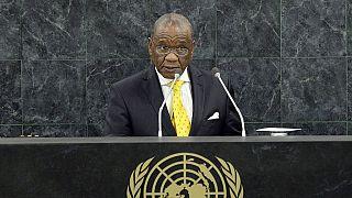 """Lesotho : la police ne """"doute pas"""" de la maladie du Premier ministre soupçonné de meurtre"""