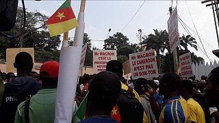 "Cameroun : la rue se dresse contre les ""pressions"" de Macron"