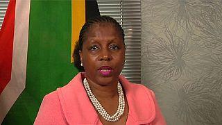 """En Afrique du Sud, le téléphone de la ministre de la Sécurité d'Etat """"piraté"""""""