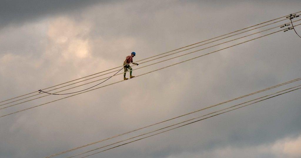 Kenya : plusieurs employés de la compagnie d'électricité licenciés pour branchements illégaux | Africanews