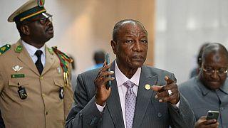 Le président guinéen Alpha Condé reporte in extremis un référendum contesté