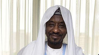 """L'émir de Kano, grande figure traditionnelle du Nigeria, """"détrôné"""" par les autorités"""