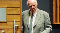 Tennis : libération conditionnelle pour l'ex-joueur Bob Hewitt