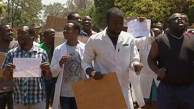 Coronavirus au Zimbabwe : grève des infirmiers pour dénoncer le manque d'équipements