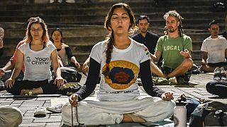 Coronavirus - Confinement : succès des cours de yoga en ligne