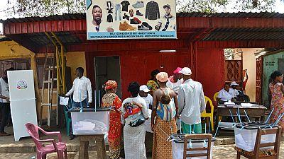 """Guinée : 91,5% de """"oui"""" à la nouvelle Constitution proposée par le pouvoir (officiel)"""