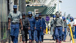 Coronavirus: au Zimbabwe, la police dans les rues pour faire respecter le confinement