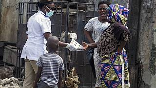 'Close up' social distancing as Lagos distributes coronavirus food aid