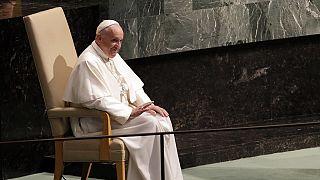 """Le Pape François prie pour """"ceux qui tirent profit du virus"""""""