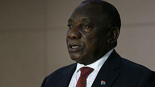 Afrique du Sud : une ministre convoquée par le président pour avoir violé le confinement