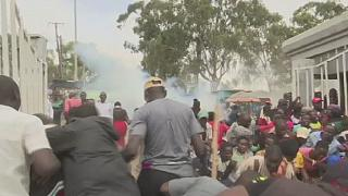 COVID-19: mad rush for food aid in Kenya creates stampede