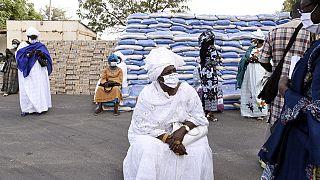 Coronavirus : quand le port du masque se propage en Afrique