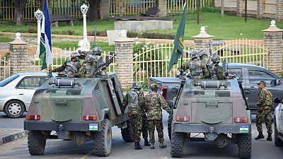 Lesotho : le ministre de la Police arrêté pour violation du confinement anticoronavirus