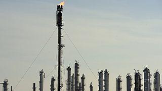 COVID-19 : le prix du pétrole s'effondre