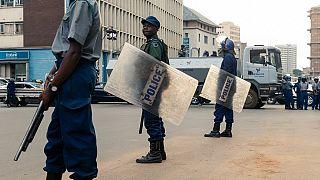 """Coronavirus : au Zimbabwe, un opposant poursuivi pour """"insulte"""" au président"""