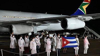 """COVID-19 : les Etats-Unis critiquent l'Afrique du Sud pour avoir """"accepté"""" des médecins cubains"""