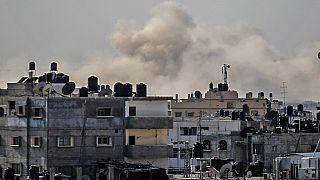 Egypte : dix soldats tués ou blessés dans une explosion dans le Nord-Sinaï selon l'armée