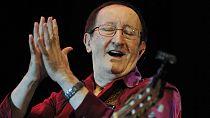 Algérie: mort du chanteur Idir, légende de la musique kabyle
