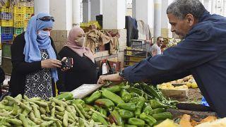 Tunisian NGO distributing COVID-19 food aid via SMS