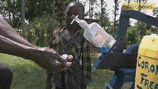 Kenya: âgé de 9 ans, Steeve Wamukota  crée une machine à laver les mains [Vidéo]