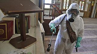 Campagne de désinfection des mosquées en Algérie