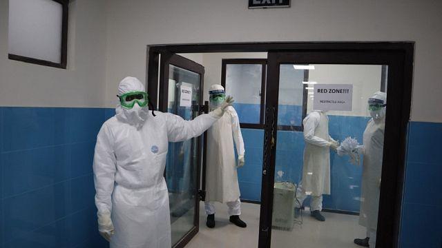 """Libéria : une fin de grossesse """"en enfer"""" pour une infirmière atteinte du Covid-19"""