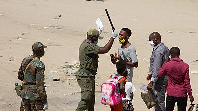 Angola : deux personnes tuées par la police dans le cadre du confinement