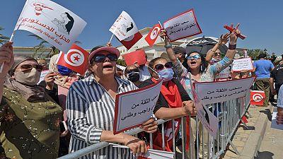 Unemployed Tunisians seek laws guaranteeing jobs