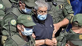 Algérie : l'ex-Premier ministre Ahmed Ouyahia assiste aux obsèques de son père