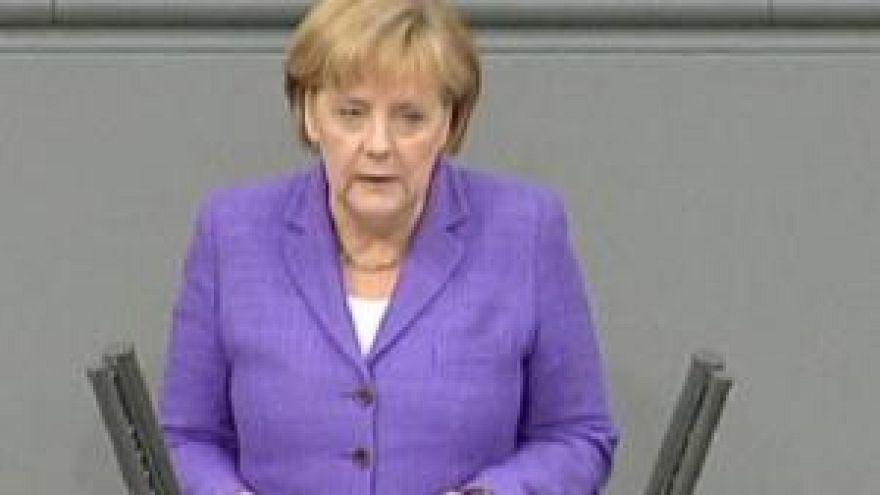 ميركل: اليورو في خطر
