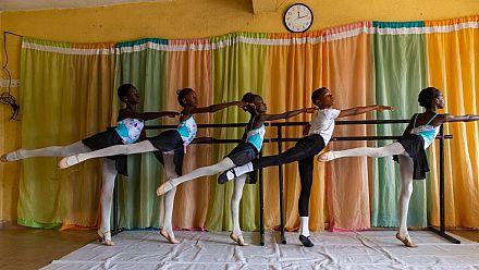 Danse classique pour enfants démunis au Nigeria