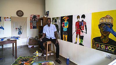 Cameroun : un plasticien peint la fragilité du monde face au coronavirus
