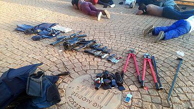 """Une """"guerre"""" pour le contrôle d'une église fait cinq morts en Afrique du Sud"""
