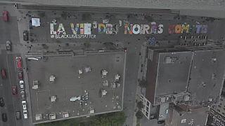 """Canada : Une fresque géante """"Black Lives Matter"""" à Montréal"""