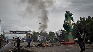 Mali : hommage aux morts de la contestation et médiation diplomatique