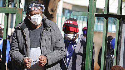 Zimbabwe : arrestation d'un opposant et d'un journaliste avant des manifestations