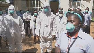 COVID-19 : plus de 10 000 agents de santé infectés