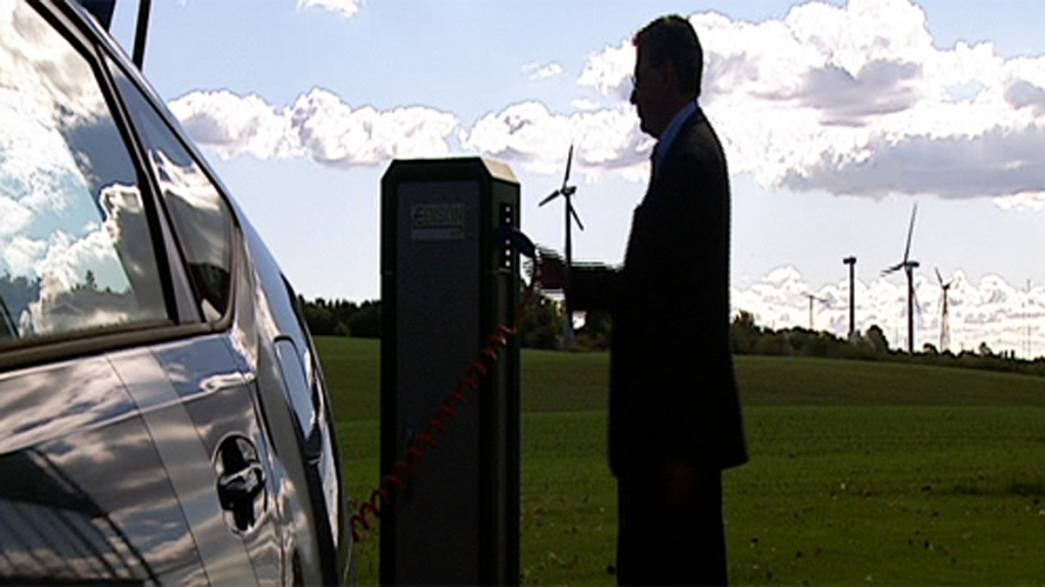 Electric cars that buy and sell their own power
