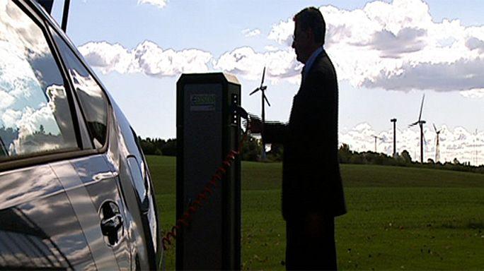 شبكة ذكية لتزويد السيارات الإلكترونية بالكهرباء في الدنمارك